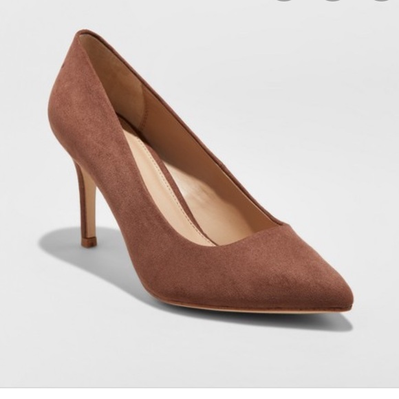 NIB A New Day Gemma Wide Pointed Faux Suede Pumps